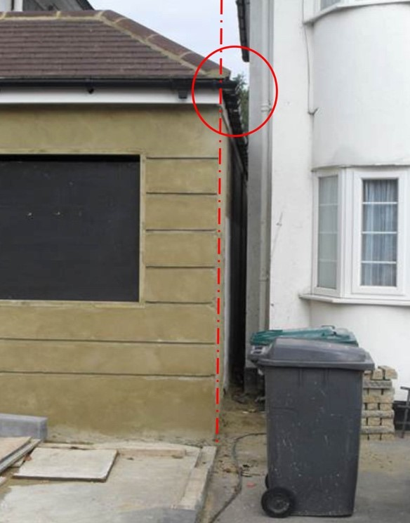 party wall surveyors talking to the client